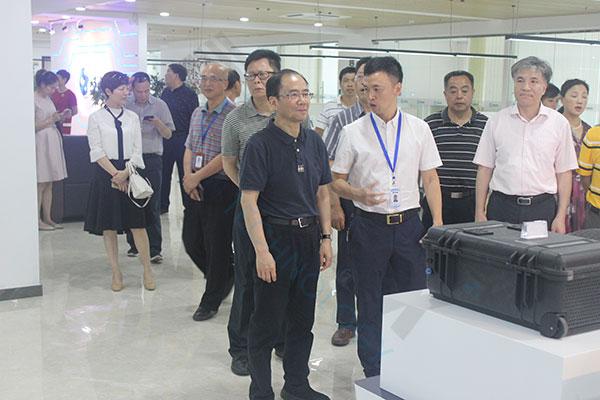 重庆市政协副主席带团莅临福建灵信信息科技有限公司参观指导